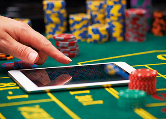 Casino Poker You Must Know If You Want To Be A Pro Online Gaming